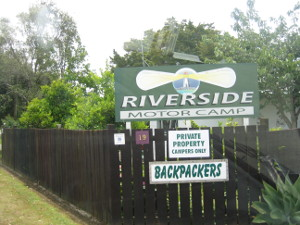 Riverside-Motor-Camp-01.JPG