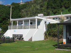Oakura-Beach-Holiday-Park-03.JPG