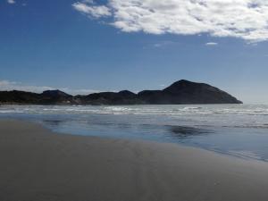 Wharariki-Beach-04.JPG